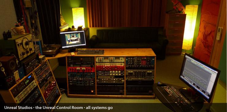 unreal_control_room_004