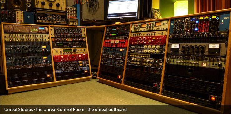 unreal_control_room_008