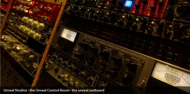 unreal_control_room_010
